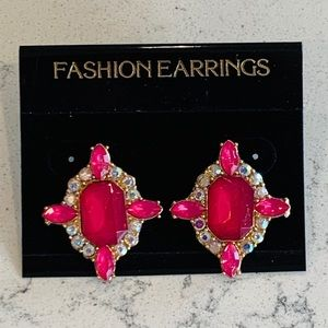 🎉5 for $25🎉 Pink Crystal Earrings